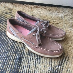 Women's Sperry leather with cheetah print shoes